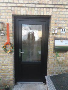 Haustür schwarzbraun von Aldra